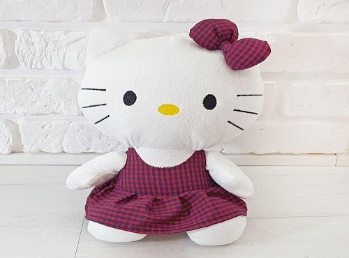 Лялька Кітті